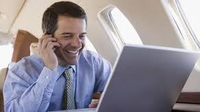 """<img src=""""https://goigu.com/foto.jpg"""" alt=""""¿Son realmente peligrosos los teléfonos móviles en un vuelo?""""/>"""